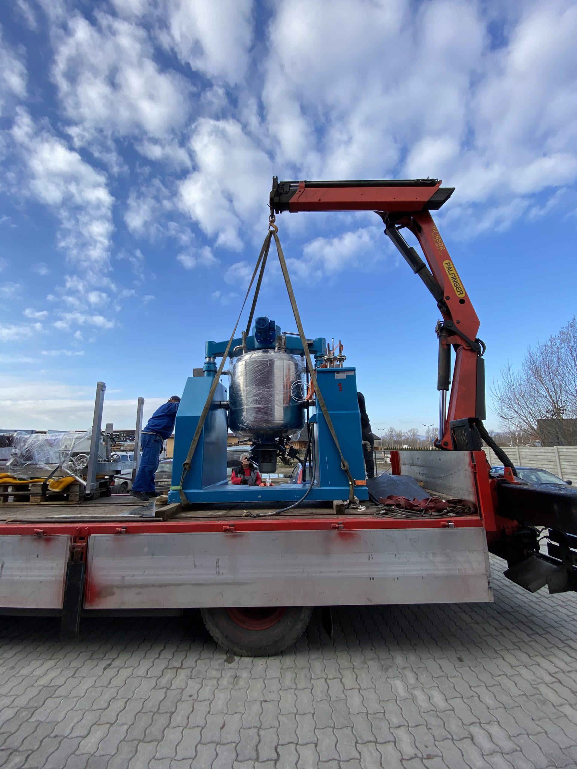 ipari keverőgép szállítása